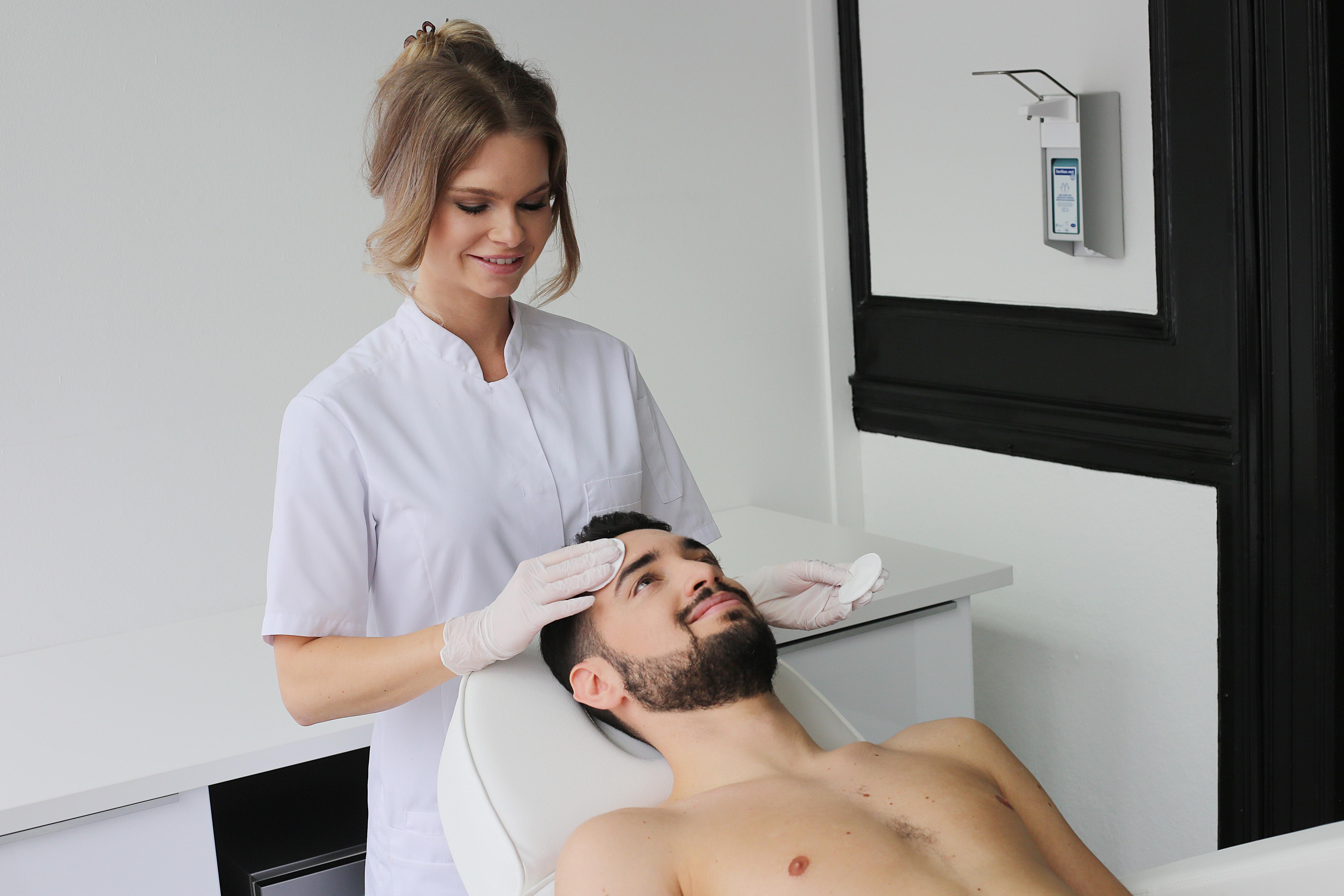 Egale huid refleqt clinic JPG