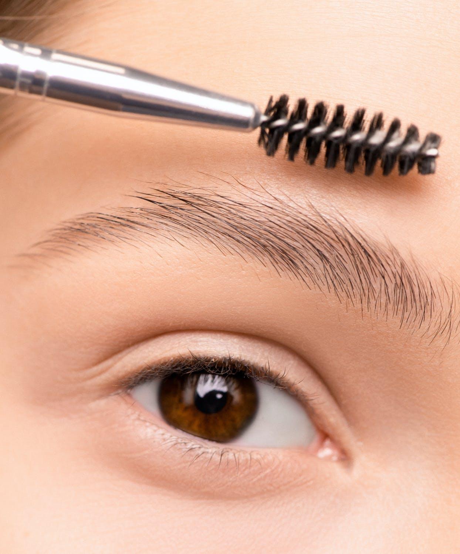 Jeugdige brows in twee stappen ~ Refleqtclinic.nl